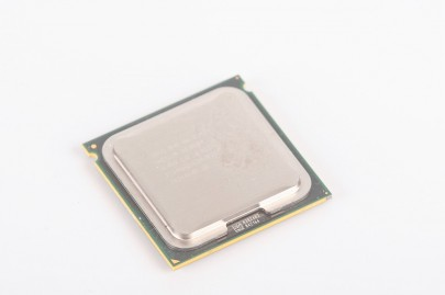INTEL XEON E5420 SLBBL Quad Core CPU 4x 2.50 GHz / 12 MB L2 / 1333 MHz FSB / Socket 771