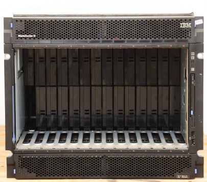 IBM BladeCenter H 8852-CTO, 4x 2900 W + Advanced MGT Modul 39Y9661