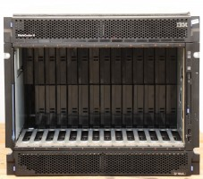 IBM BladeCenter H 8852-4XG, 4x 2900 W + Advanced MGT Modul 39Y9661